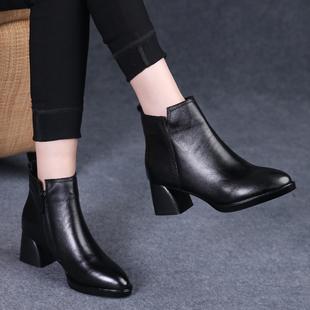 女皮鞋2018秋冬季尖头真皮短靴女粗跟中跟马丁靴单靴厚底女鞋