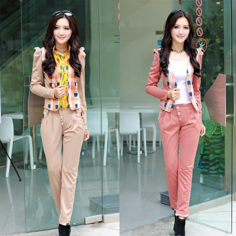 Khaki Pants Outfit Women