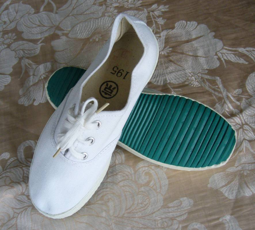 Кроссовки для тенниса 儿童白球鞋(京字牌运动鞋专卖店)
