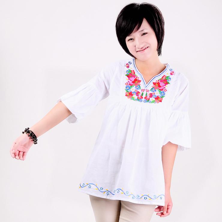 женская рубашка Vicki Flowers cs021006b0092 · 2012 Городской стиль Укороченный рукав,рукав средней длины Однотонный цвет Лето 2012 Высокотемпературная обработка, Вышивка V-образный вырез Свитер
