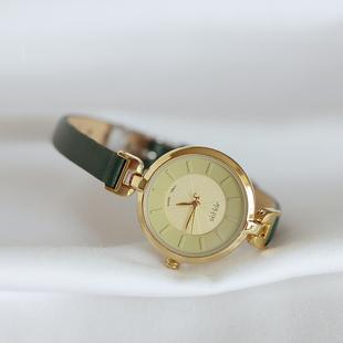 聚利时气质复古手表女生简约韩版文艺皮带女式手表百搭防水石英表